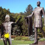 10 instantanee emoţionante din viaţa unei statui de dac în Bucureşti